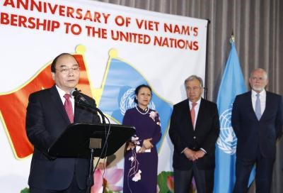 PM Nguyen Xuan Phuc holds talks with UN Secretary General hinh anh 2