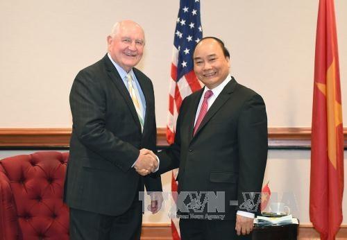 PM hosts US trade representative, agriculture secretary hinh anh 1