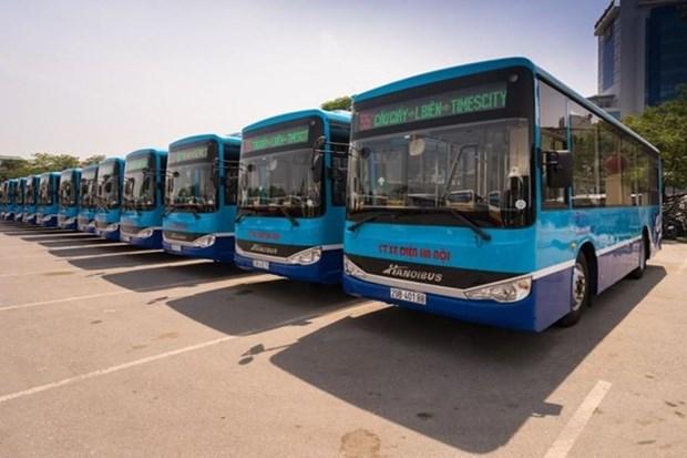 Hanoi adds 15 new buses hinh anh 1