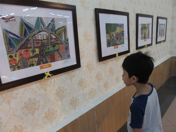 Kids' art goes on display in capital hinh anh 1