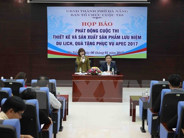Da Nang announces souvenirs, gifts for APEC 2017 hinh anh 1