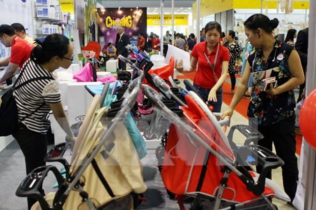 Int'l retail, franchise show draws 270 businesses hinh anh 1