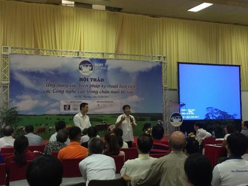 Seminar discusses hi-tech application in dairy farming hinh anh 1