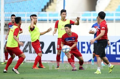 Vietnam climbs five spots in FIFA rankings hinh anh 1