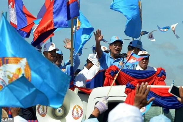 Cambodian PM joins election campaign for first time hinh anh 1
