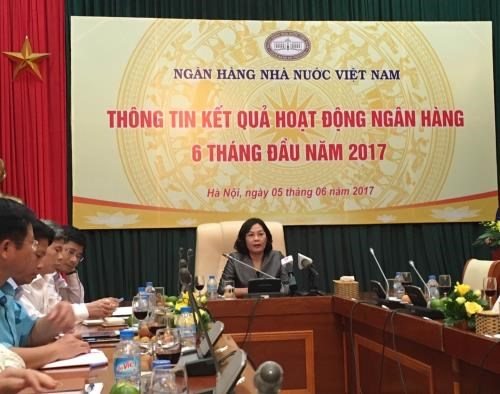 Banking sector sees 6.53 percent in credit growth hinh anh 1