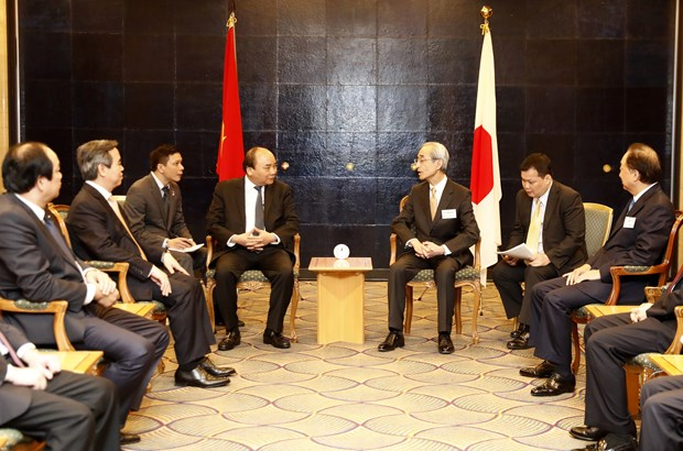 Prime Minister meets Japanese entrepreneurs hinh anh 1