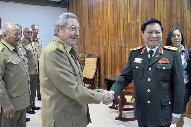 Vietnam, Cuba enhance defence partnership hinh anh 1