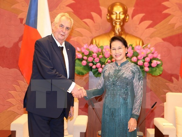 NA Chairwoman: Vietnam values ties with Czech Republic hinh anh 1
