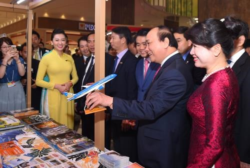 Vietnam Airlines, Jetstar Pacific promote tourism in Japan hinh anh 1
