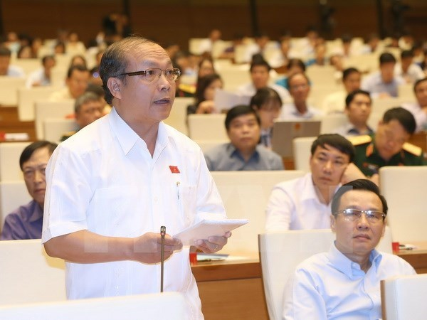 Legislators discuss measures to fulfill GDP growth target hinh anh 1
