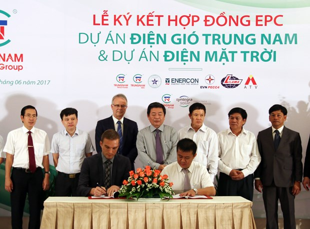 Partnership formed to develop wind, solar power in Ninh Thuan hinh anh 1