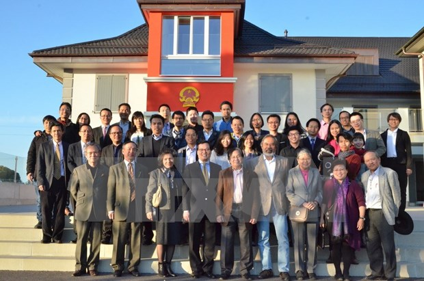 Vietnamese intellectuals in Switzerland enhance bilateral cooperation hinh anh 1