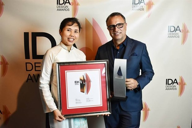 Vietnamese artist receives medal for public work hinh anh 1
