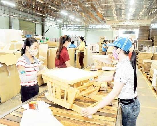 EU forest pact gives Vietnam timber firms a leg up hinh anh 1