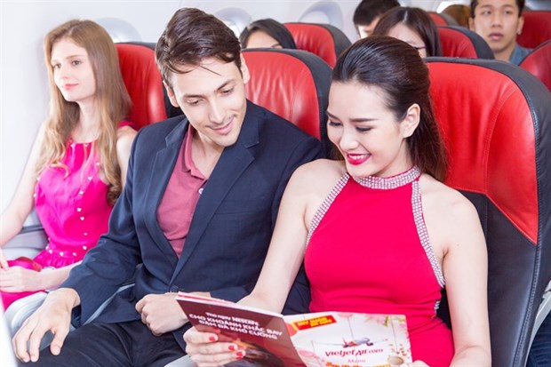 Vietjet sells 5,000 promotional tickets at Hong Kong int'l travel expo hinh anh 1