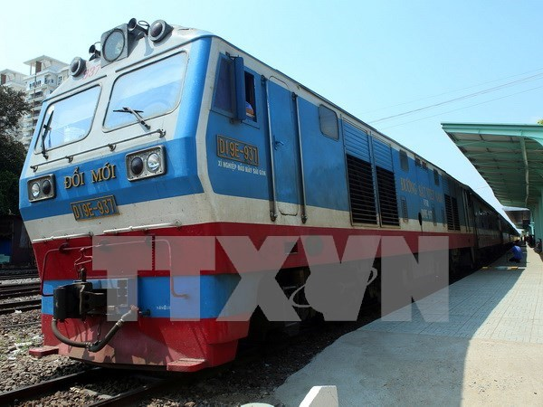 Freight train route links Vietnam with southwest China hinh anh 1