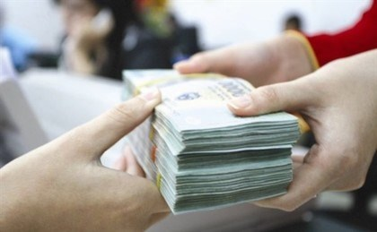 Consumer loans rise nearly 30 percent by end of May hinh anh 1