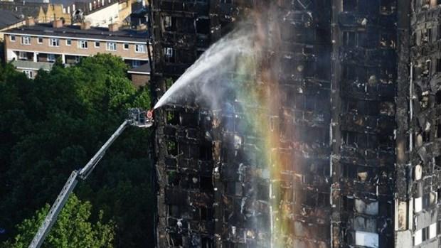 Vietnam sends heartfelt condolences to British fire victims' families hinh anh 1