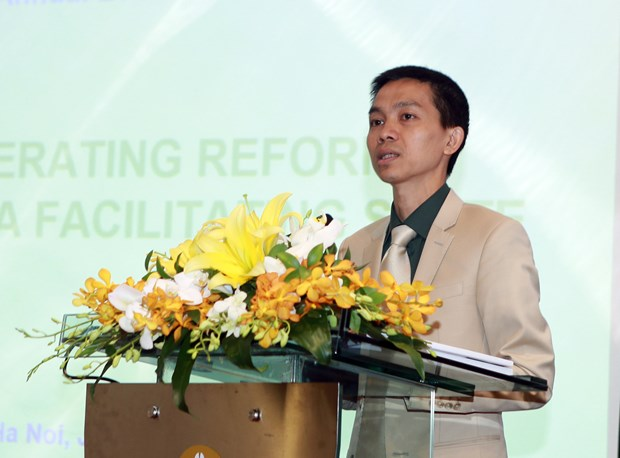 Annual report gives VN macroeconomic scenarios hinh anh 1