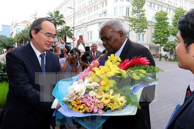 Cuban top legislator visits HCM City hinh anh 1
