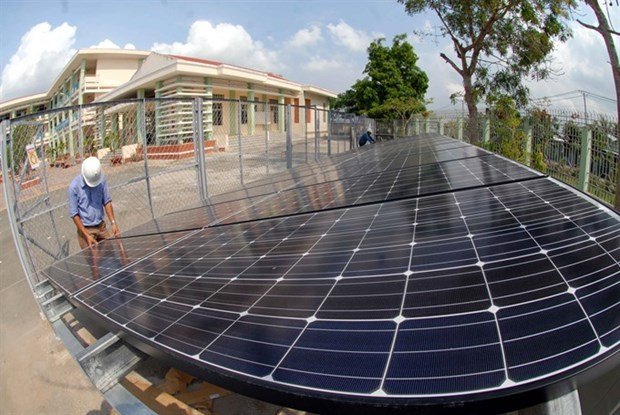 Solar PV rooftops to help meet energy targets hinh anh 1