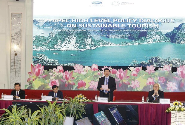 Quang Ninh seeks to tap tourism potential during APEC Year 2017 hinh anh 1