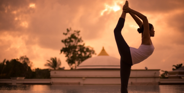 Indian embassy to Thailand hosts 3rd int'l day of yoga event hinh anh 1