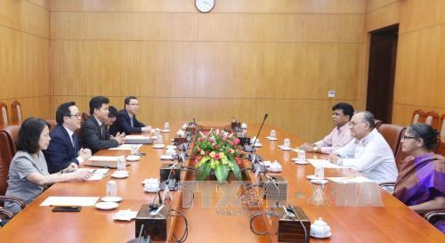Bangladeshi Communist Party leader welcomed in Hanoi hinh anh 1