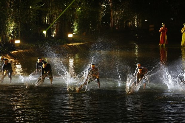 Water puppetry comes full circle in new play hinh anh 1