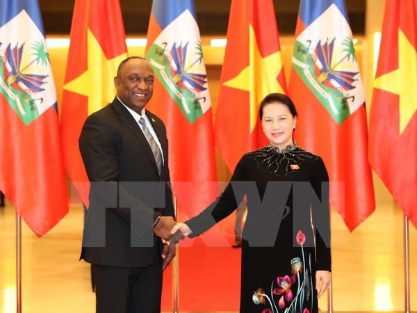 Vietnam, Haiti parliament heads in talks hinh anh 1