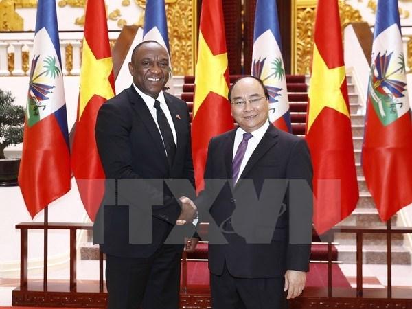 Prime Minister Nguyen Xuan Phuc greets Haitian Senate President hinh anh 1
