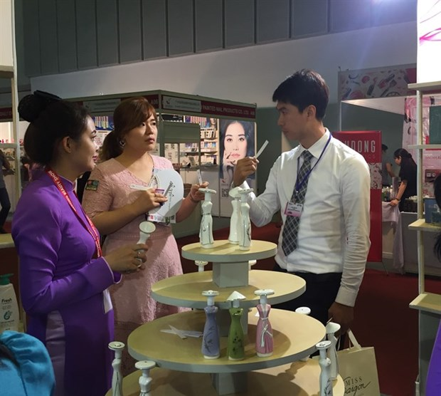 Foreign brands find Vietnam cosmetics market alluring hinh anh 1