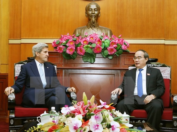 Kerry wants to help HCM City attract foreign investment hinh anh 1