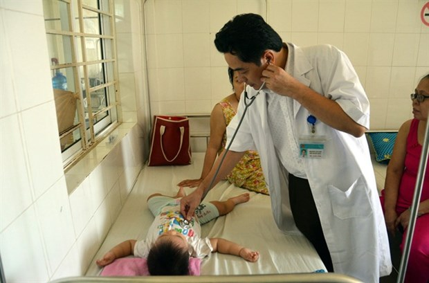 Vietnam reports surge in dengue infections hinh anh 1