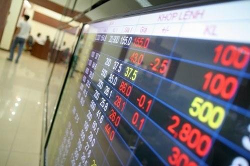 Bank shares drive market down hinh anh 1