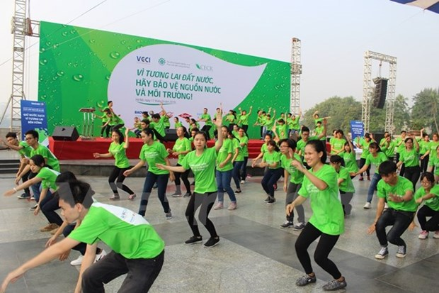 Hanoi works to tackle environmental pollution hinh anh 1
