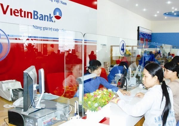 HCM City remittances worth 2.1 billion USD in H1 hinh anh 1