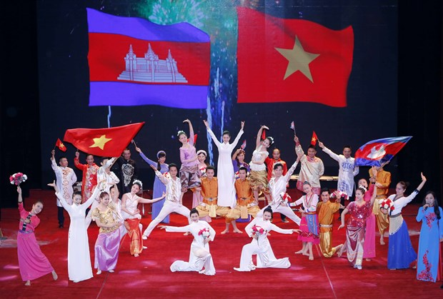 Grand ceremony marks 50 years of Vietnam-Cambodia diplomatic ties hinh anh 1