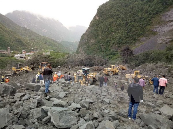 Sympathy to China over landslide in Sichuan province hinh anh 1