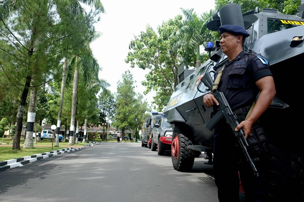 Indonesia police discover IS propaganda leaflets targeting children hinh anh 1