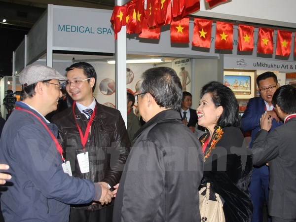 Vietnam attends international trade fair in South Africa hinh anh 1