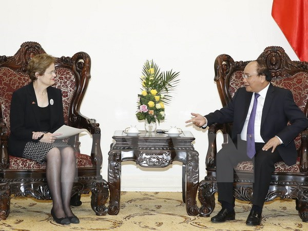 PM receives Special Envoy of Australian PM hinh anh 1