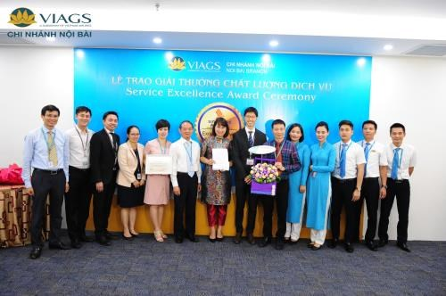 Vietnam Airlines's subsidiaries receive international awards hinh anh 1