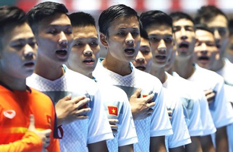 Futsal team members assemble for SEA Games training hinh anh 1