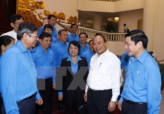 PM vows all possible support to workers hinh anh 1