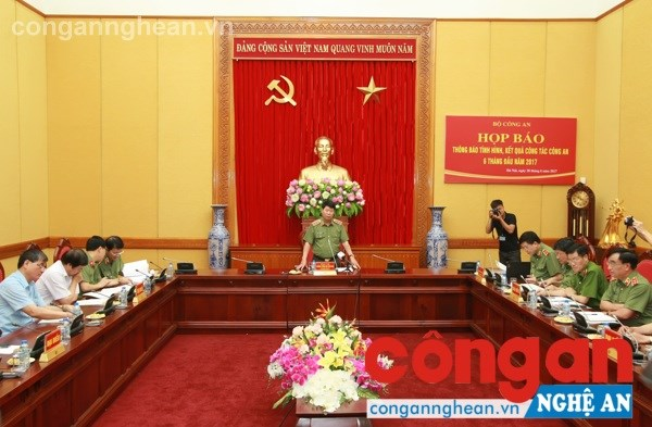 Ministry works to put crime under control hinh anh 1