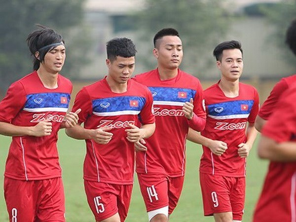 Football players summoned for AFC U23 champs qualifiers hinh anh 1