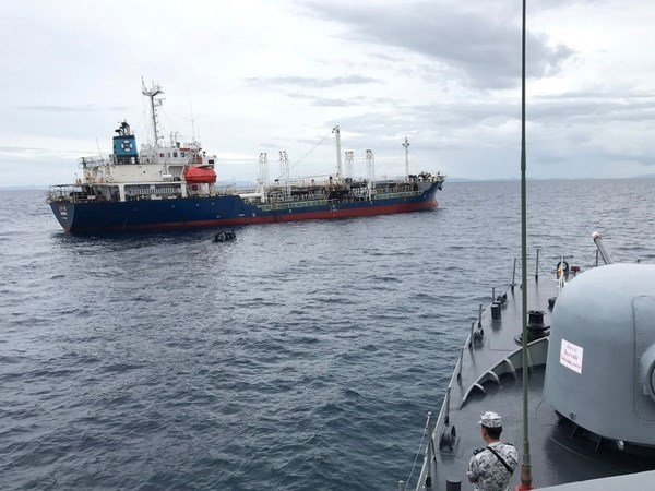 Malaysia investigates attack on Thai tanker hinh anh 1