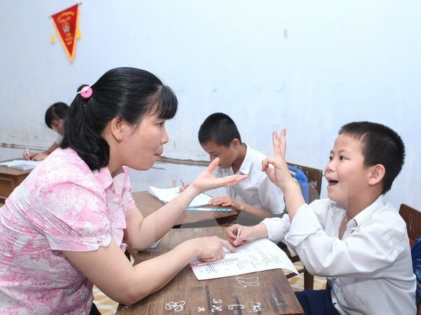 Project helps disabled children in Quang Binh hinh anh 1